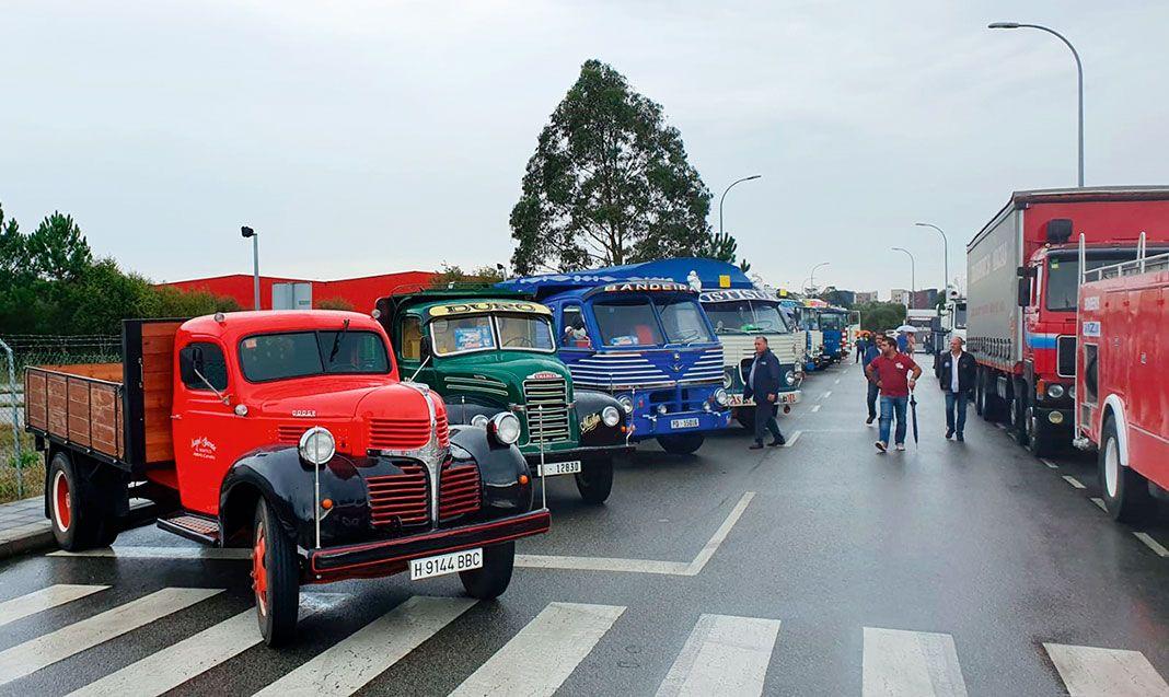Concentración de Camiones Clásicos en el polígono de Río Pinto (Coaña)