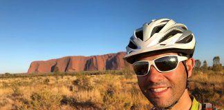"""Encantado de volver a verte, Uluru"". Juan Menéndez Granados"