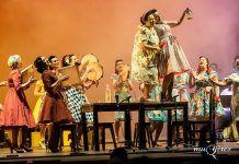 Grupo Muyeres en la representación de La Sifonera