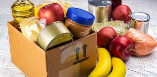 Lote de alimentos para familias necesitadas