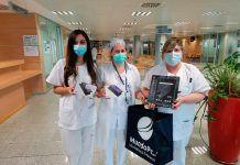 Recepción de las tablets por el personal sanitario del Hospital de Cabueñes (Gijón) donadas por Mundo PC