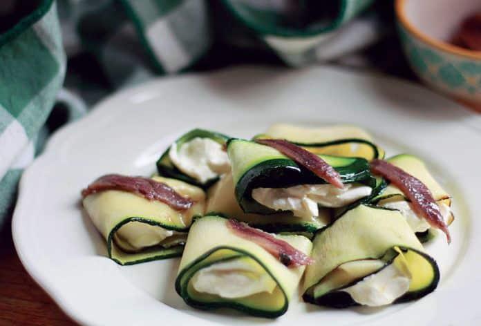 Canelones de calabacín con anchoas y queso. Receta del libro La cena está lista