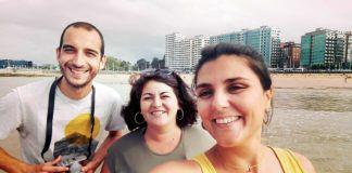 Lorena Neira, presidenta de la Asociación Luar; Candela Herrera, secretaria y Nuño Fragoso, colaborador