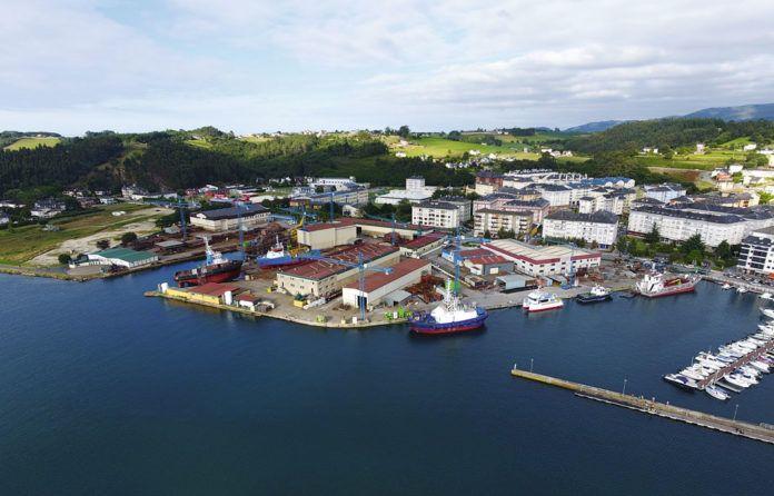 Vista aérea de Astilleros Armón - Navia
