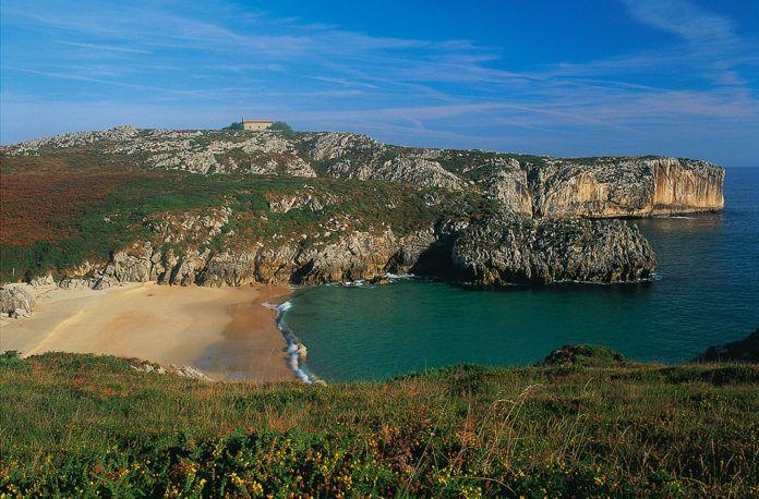 San Antonio del Mar (Llanes), elegida la mejor playa de España 2020