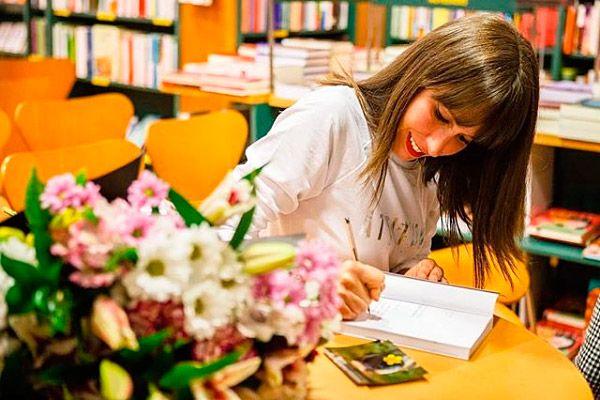 Anina Anyway en la Casa del Libro de Gijón