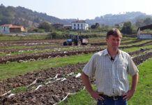 Santiago Martínez, propietario de Lombriastur