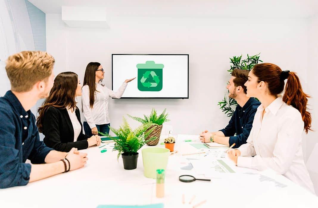Reunión de empresa sobre economía circular
