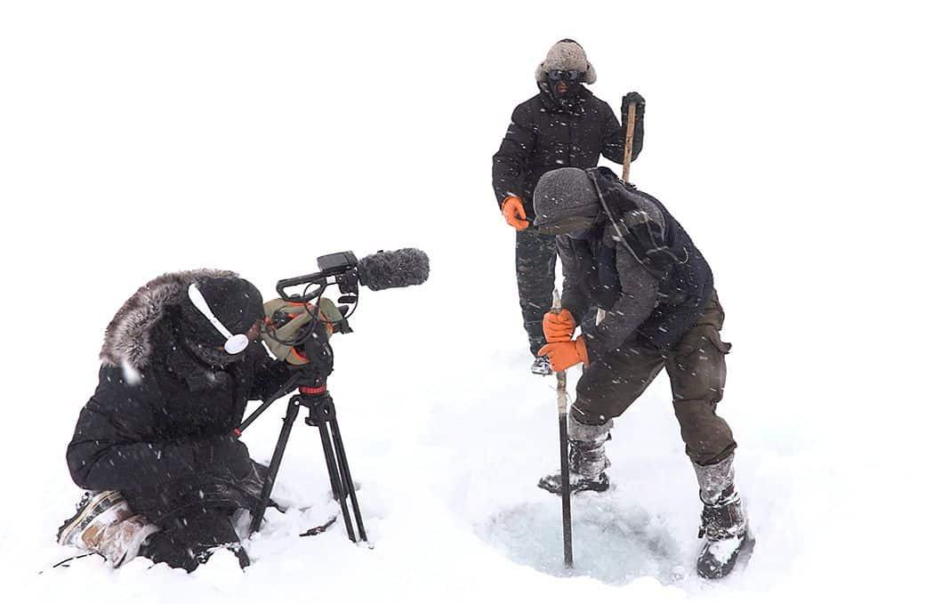 David filmando a los pescadores de Song Kol (lago en Kirguistán)