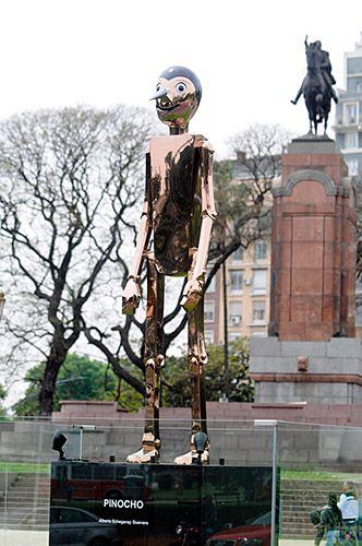 Pinocho. Escultura de Alberto Echegaray Guevara