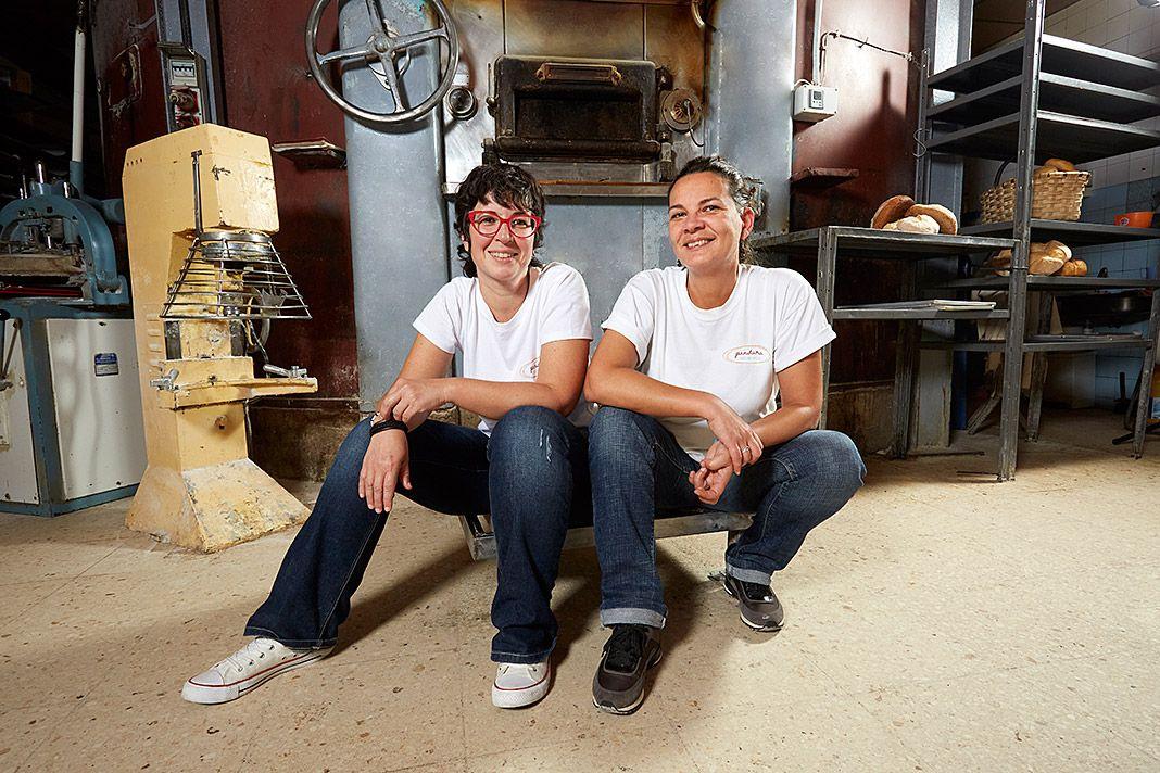 Elena Fernández y Ana Marcos en el obrador