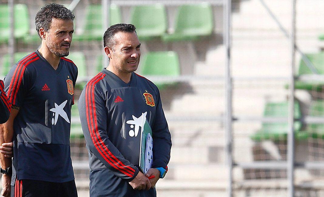 Joaquín Valdés con Luis Enrique en un entrenamiento de la Selección Española de Fútbol