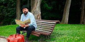 David Acera, actor y narrador oral al frente de Paxarinos TV