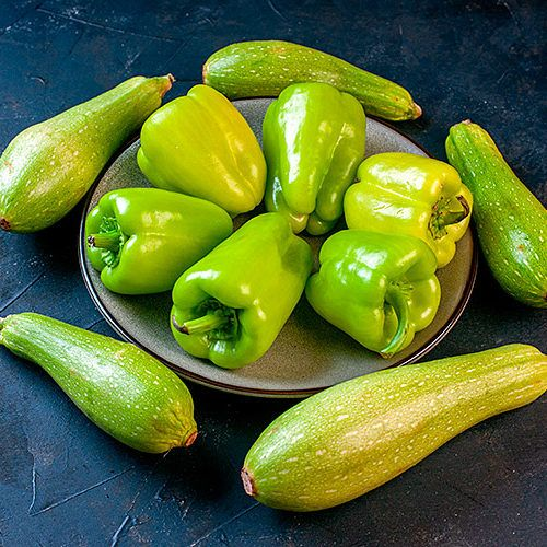 Calabacines y pimientos verdes