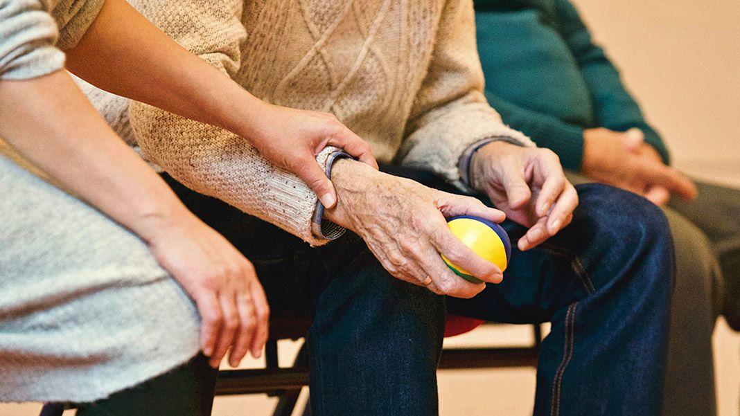 Cuidado a gente mayor