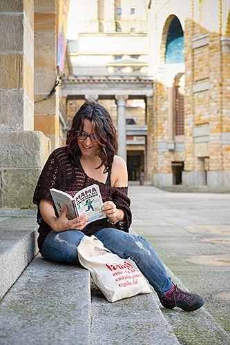 """Jessica Gómez, autora del libro """"Mamá en busca del polvo perdido"""""""