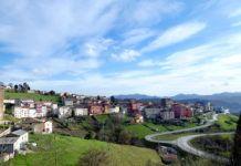 Vista parcial de la villa de Tineo (foto de archivo)