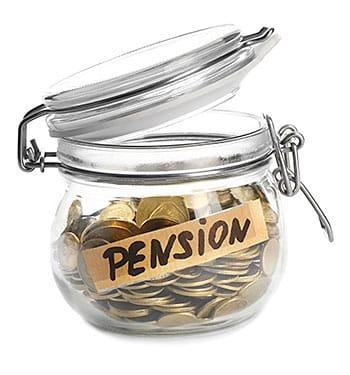Bote con dinero de las pensiones
