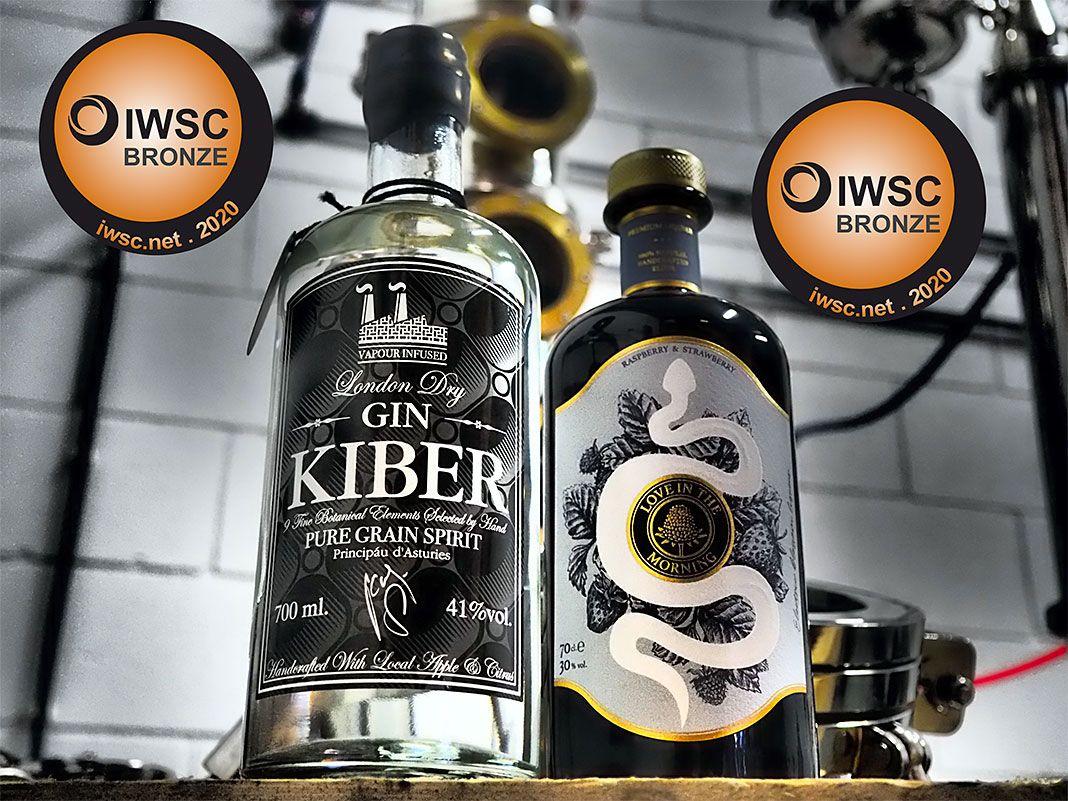 Gin Kiber y licor Love in the morning elaborados por la Microdestilería Kiber