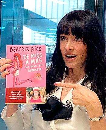 Beatriz Rico en la presentación de su libro De Miss a más sin pasar por Albacete