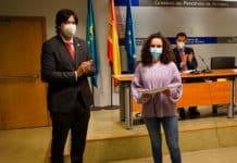 Andrea Ariznavarreta recibe el tercer premio AsturiasSteam 2021 por su dispositivo que permite conocer el aforo de cualquier establecimiento comercial