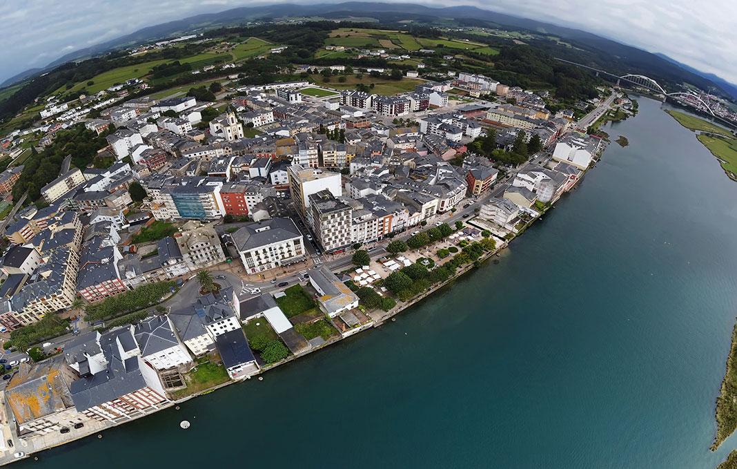 Villa de Navia a vista de dron