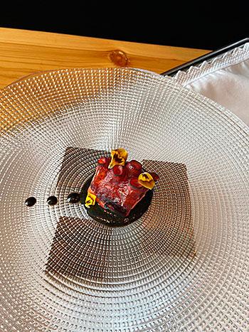 https://fusionasturias.com/gastronomia/elio-ferpel-chef-asturiano-ganador-de-un-sol-en-la-guia-repsol-2021.htm Elio Ferpel, chef. Asturiano ganador de un Sol en la Guía Repsol 2021