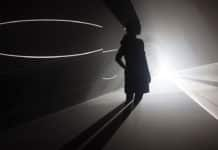 Exposición de Anthony McCall, 'Solid light and Performance Works'