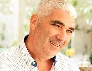 Fran Cid, profesor de educación infantil y primaria por la Universidad de Huelva y escritor